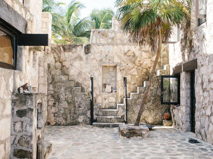 413af61fcf0f5c87af3db13dd246a236--hotels-in-tulum-club-monaco